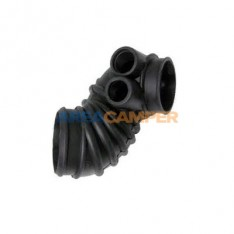 Air intake boot between air flow meter and air intake distributor 1900 CC (DH,GW) and 2100 CC (DJ), 08/1982-07/1985