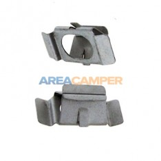 Grille pin retaining clip