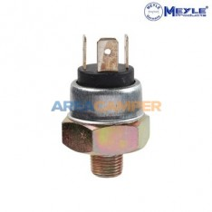 Brake light switch on master cylider (05/1979-07/1979), 3 pins